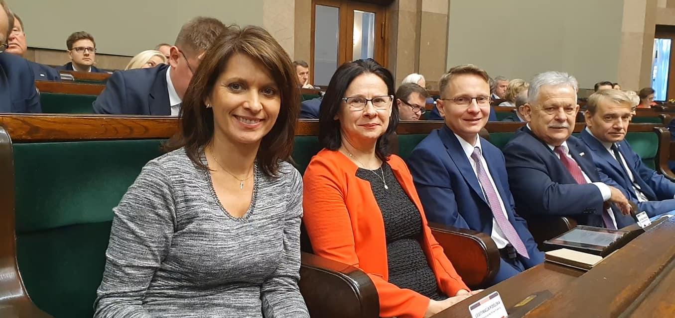 #Kozaneckaw Sejmie. ✅Trwa#exposePMMw Sejmie. Mateusz Morawiecki: Otrzymal…
